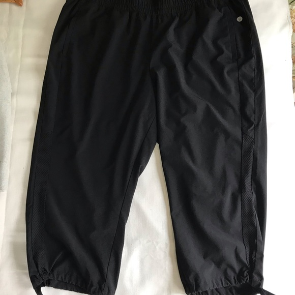 Livi Active Pants - Livi Active by Lane Bryant Capri Jogger🌟 sz 18/20